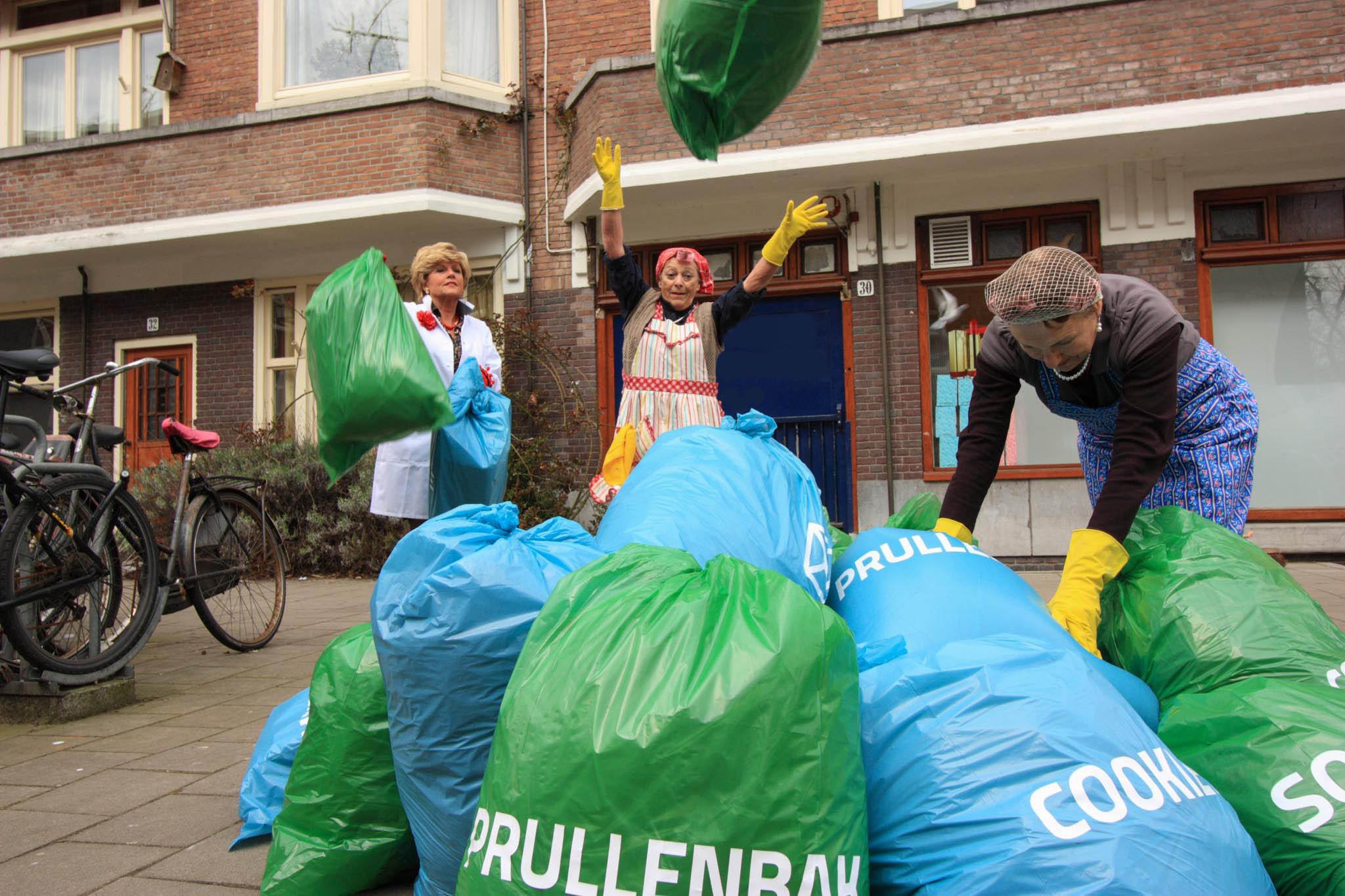 SeniorWeb campagne vuilniszakken gooien