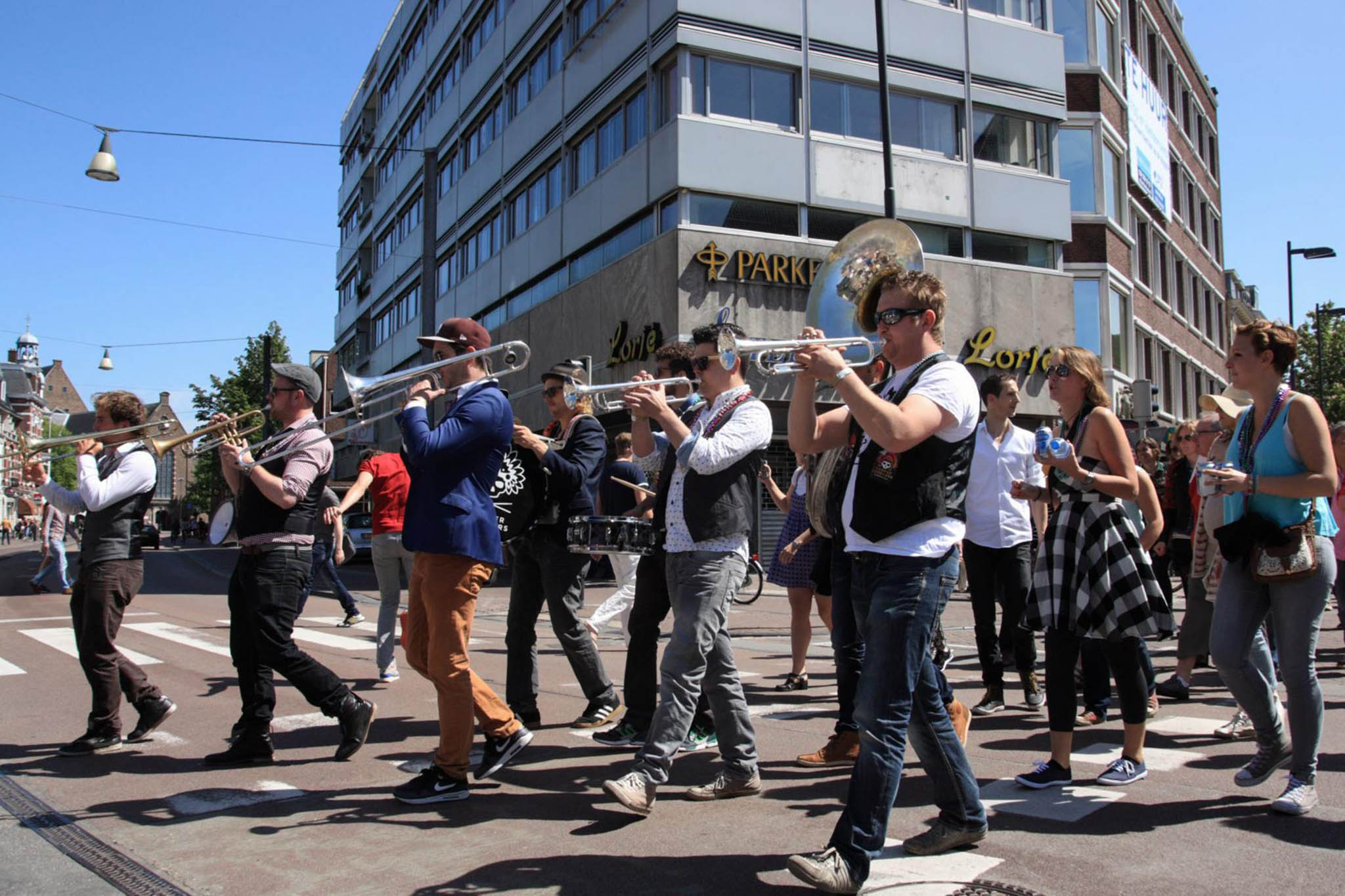 VPRO 3voor12/Utrecht Klein New Orleans Festival parade