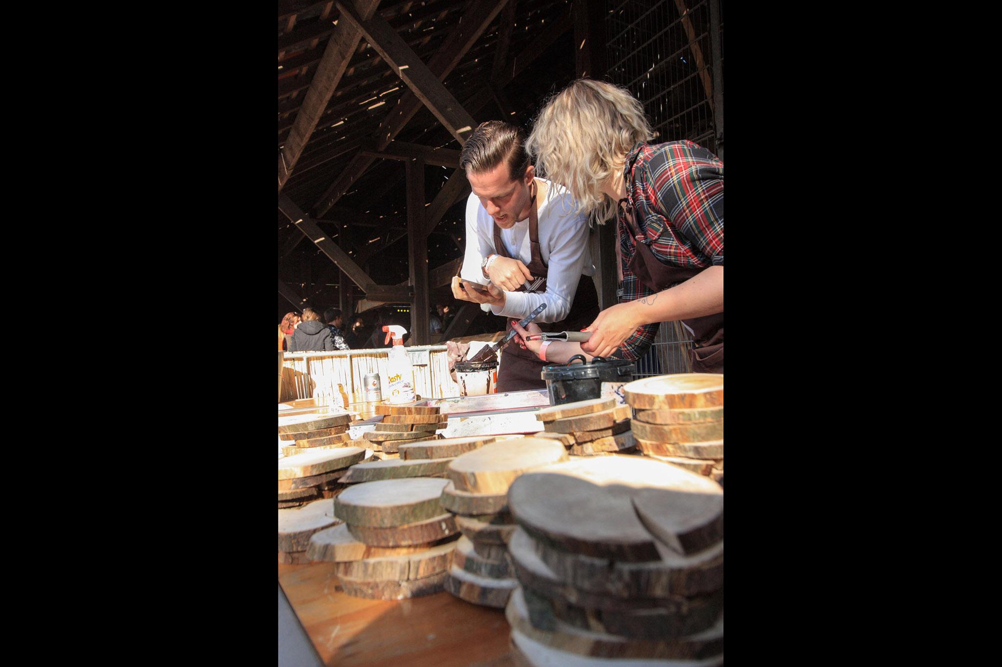 VPRO 3voor12/Utrecht zeefdrukken op het Woodlum festival portfolio Wijgert-Jan van As
